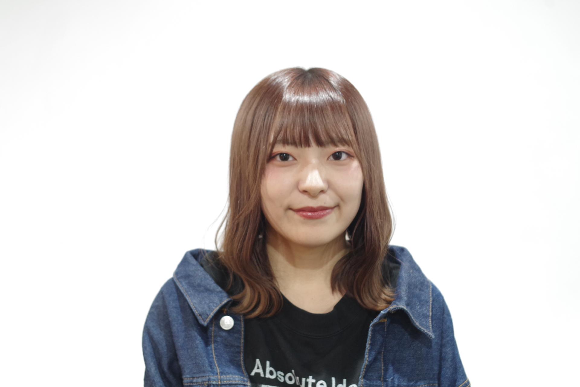岩井 亜美の写真